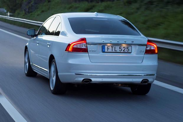 2016 Volvo S80: New Car Review featured image large thumb3