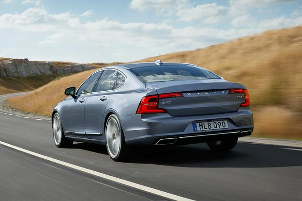 2018 Volvo S90: New Car Review featured image large thumb2