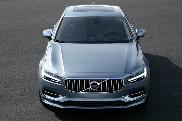 2018 Volvo S90: New Car Review featured image large thumb4