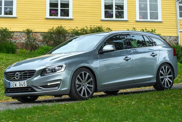 2015 Volvo V60: New Car Review featured image large thumb0
