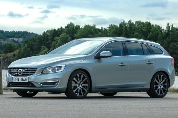 2015 Volvo V60: New Car Review featured image large thumb1