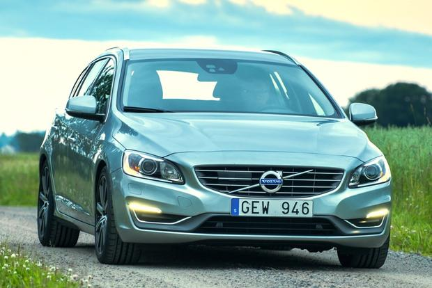 2015 Volvo V60: New Car Review featured image large thumb3