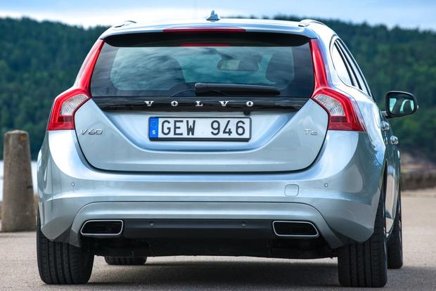 2015 Volvo V60: New Car Review featured image large thumb4