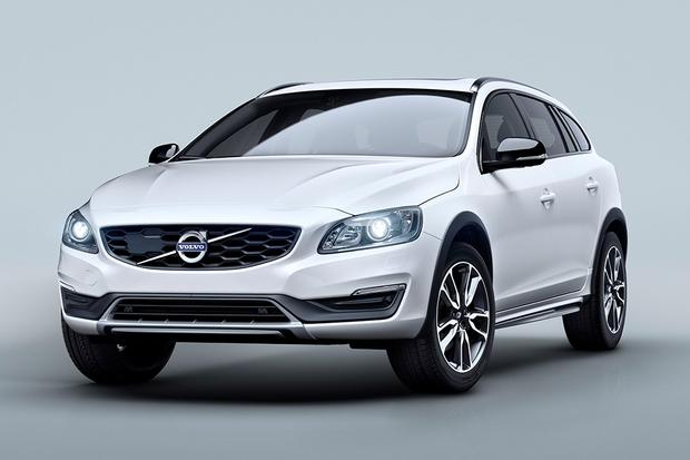 2015 Volvo V60 Cross Country: New Car Review featured image large thumb1