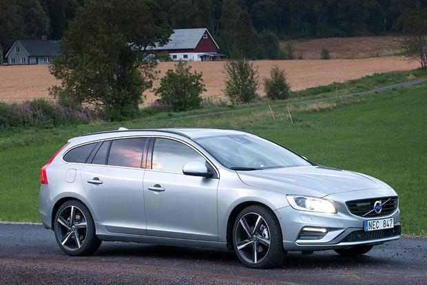 2017 Volvo V60: New Car Review featured image large thumb3