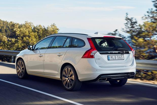 2017 Volvo V60: New Car Review featured image large thumb4