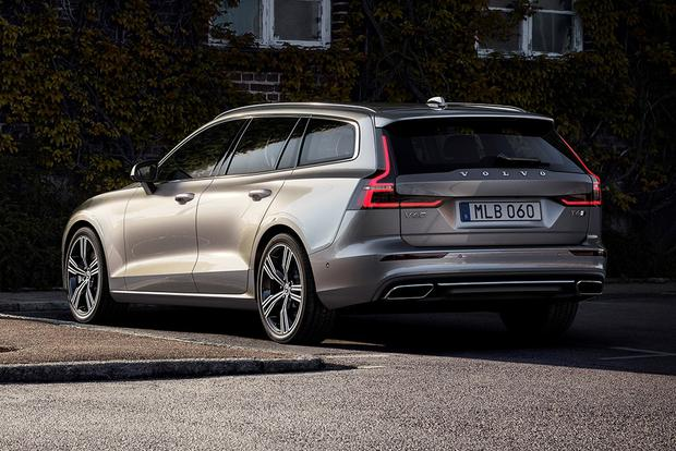 2018 Volvo V60: New Car Review featured image large thumb2
