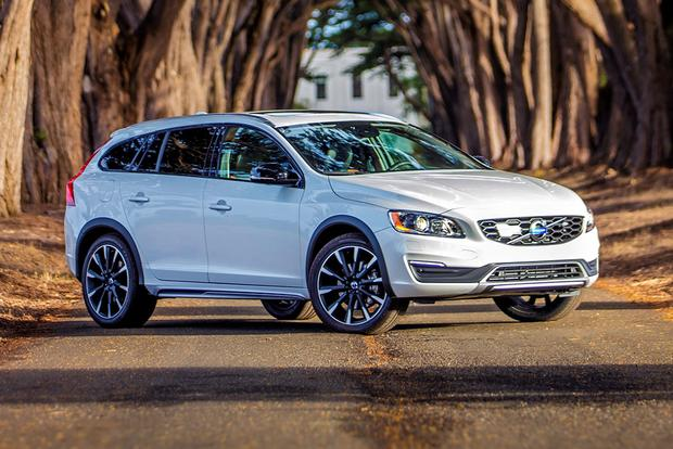 2018 Volvo V60 Cross Country: New Car Review featured image large thumb3