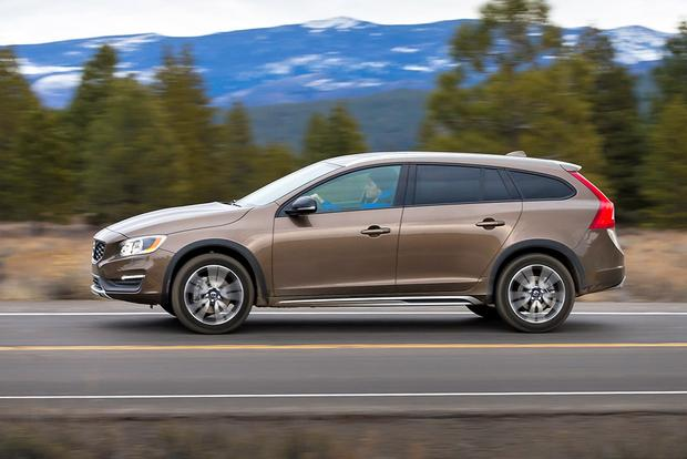 2018 Volvo V60 Cross Country: New Car Review featured image large thumb0
