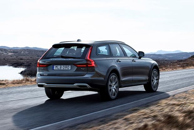 2017 Volvo V90 Cross Country: New Car Review featured image large thumb3