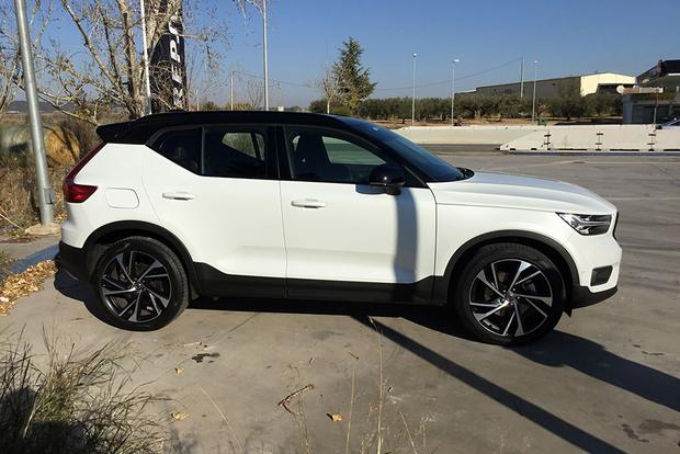 2019 Volvo XC40: First Drive Review featured image large thumb2