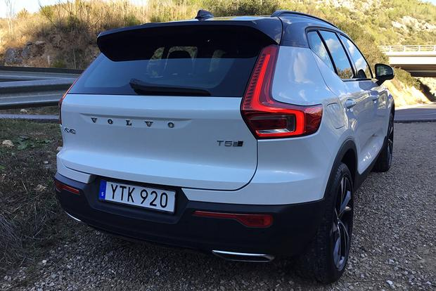 2019 Volvo XC40: First Drive Review featured image large thumb4