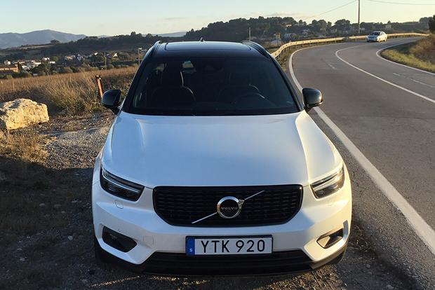 2019 Volvo XC40: First Drive Review featured image large thumb12
