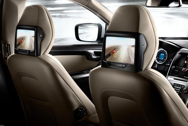 2012 Volvo XC60: OEM Image Gallery featured image large thumb17