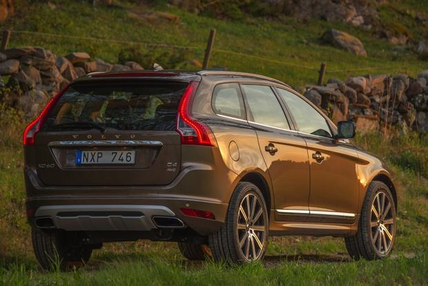 2015 Volvo XC60: New Car Review featured image large thumb1