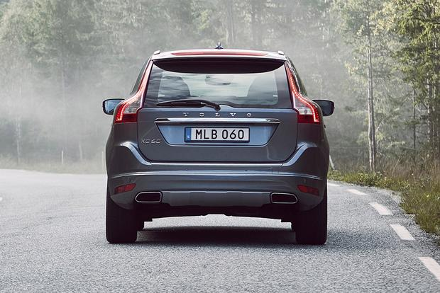 2017 Volvo XC60: New Car Review featured image large thumb4
