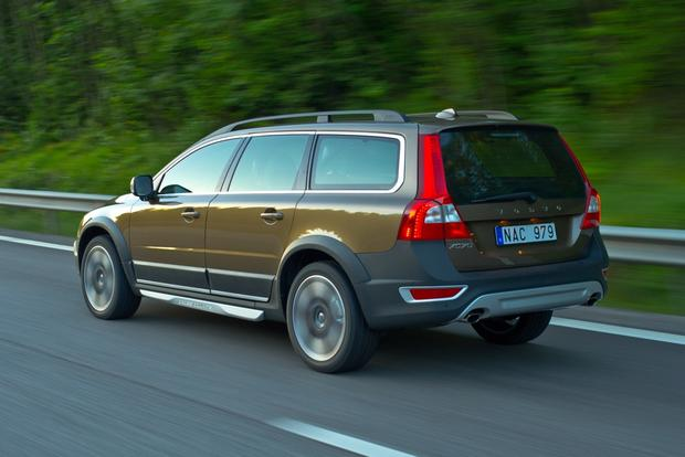 2012 Volvo XC70: New Car Review featured image large thumb2