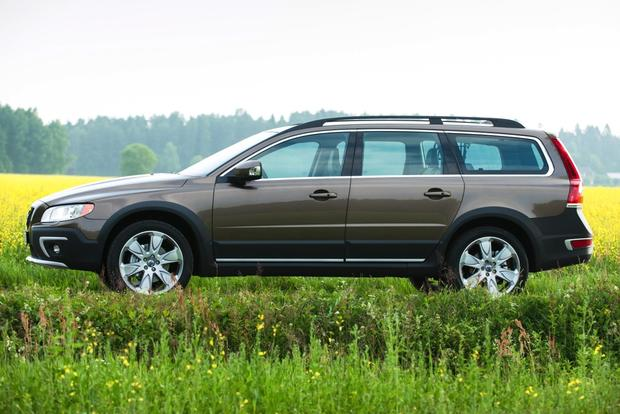 2014 Volvo XC70: New Car Review featured image large thumb2