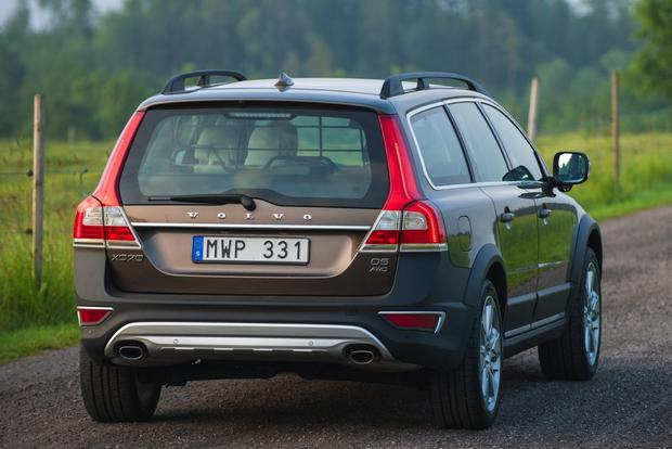 2014 Volvo XC70: New Car Review featured image large thumb3