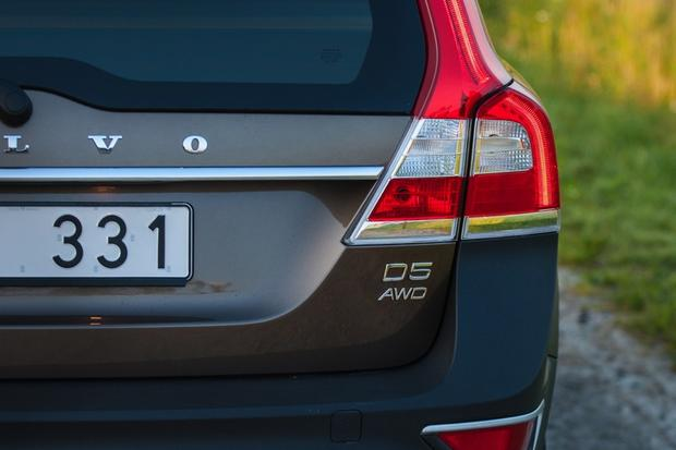 2014 Volvo XC70: New Car Review featured image large thumb4