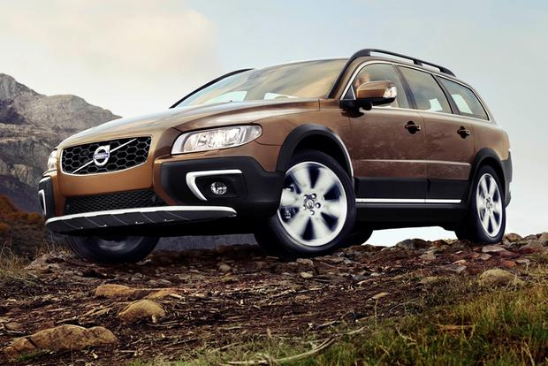 2015 Volvo XC70: New Car Review featured image large thumb2