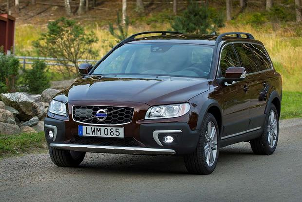 2016 Volvo XC70: New Car Review featured image large thumb4