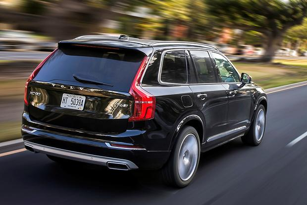 2016 Volvo XC90 vs. 2016 Lexus RX: Which Is Better? featured image large thumb3