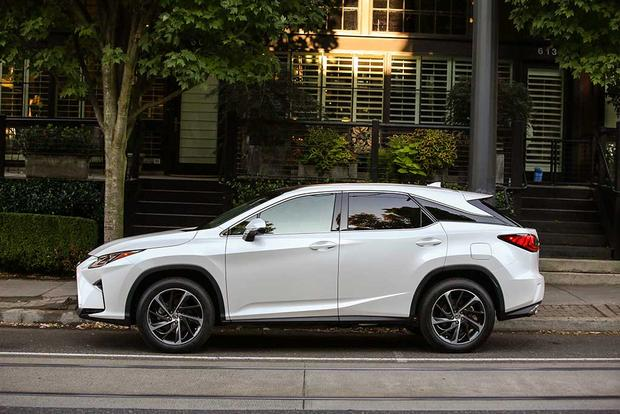 2016 Volvo XC90 vs. 2016 Lexus RX: Which Is Better? featured image large thumb6