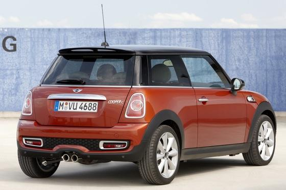 Top 10 Cool Hatchbacks featured image large thumb7