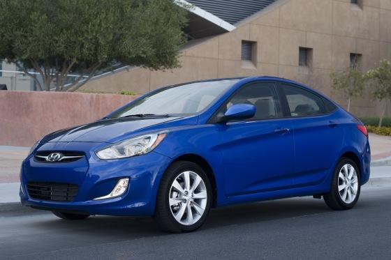 Top 6 Attractive & Affordable 40-MPG Cars featured image large thumb2