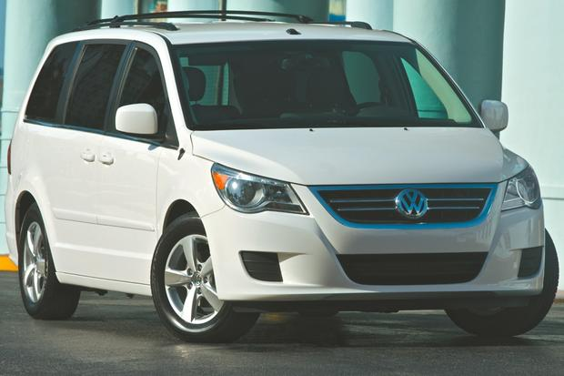 Top 7 Certified Minivans under $20,000 featured image large thumb6