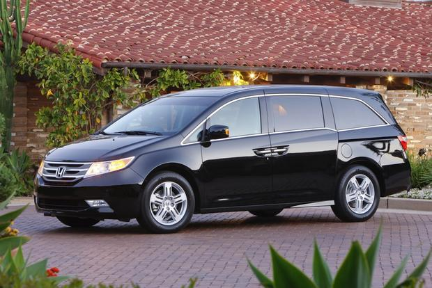 Minivan Deals: July 2012 featured image large thumb1