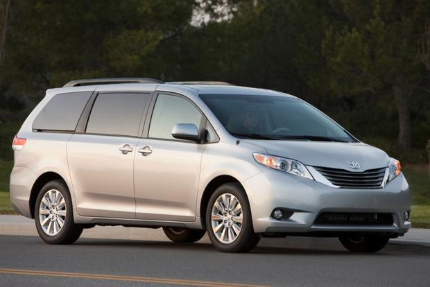 Minivan Deals: July 2012 featured image large thumb4