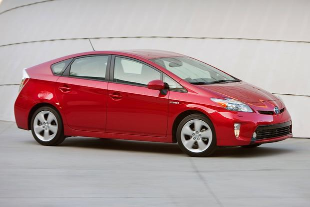 Top 6 Cars Under $30,000 With Five-Star Safety Ratings featured image large thumb5