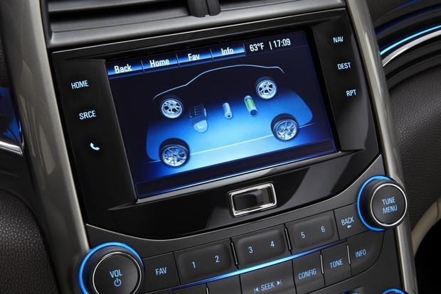 Top 6 Cars with Infotainment under $30,000 featured image large thumb0