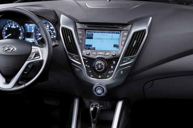 Top 6 Cars with Infotainment under $30,000 featured image large thumb2