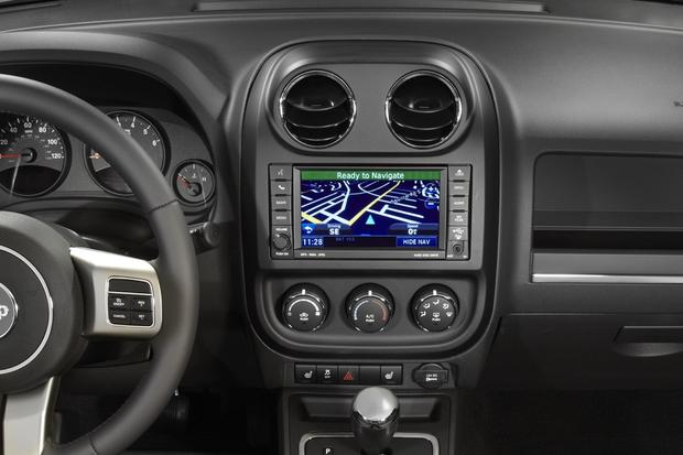 Top 6 Cars with Infotainment under $30,000 featured image large thumb3