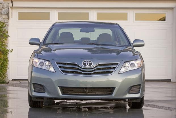 2012 Toyota Camry: New vs. Old featured image large thumb1