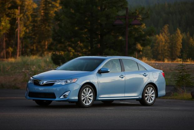 2012 Toyota Camry: New vs. Old featured image large thumb2