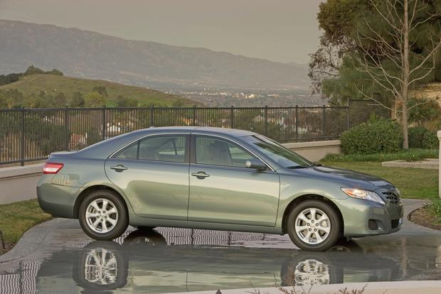 2012 Toyota Camry: New vs. Old featured image large thumb3