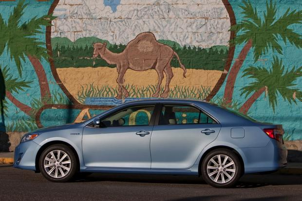 2012 Toyota Camry: New vs. Old featured image large thumb4