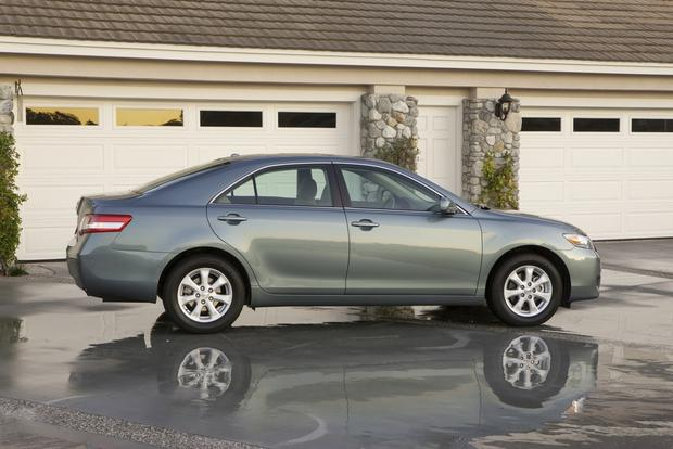2012 Toyota Camry: New vs. Old featured image large thumb5