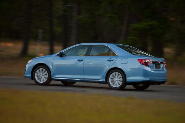 2012 Toyota Camry: New vs. Old featured image large thumb6