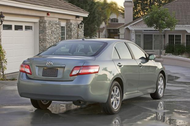 2012 Toyota Camry: New vs. Old featured image large thumb7