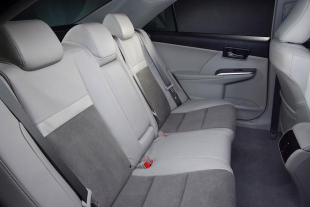 2012 Toyota Camry: New vs. Old featured image large thumb8