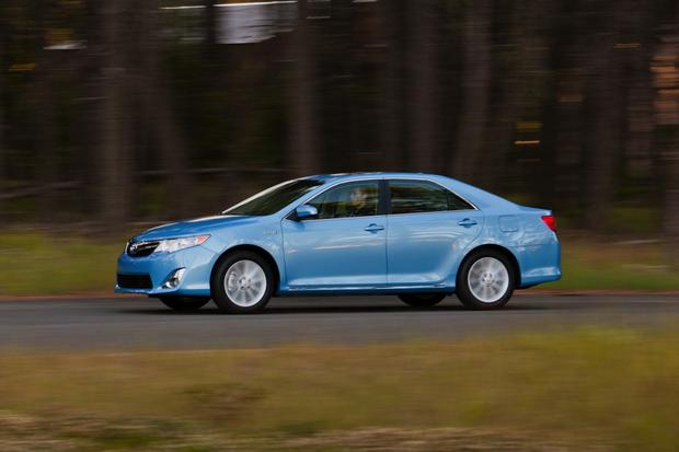 2012 Toyota Camry: New vs. Old featured image large thumb12