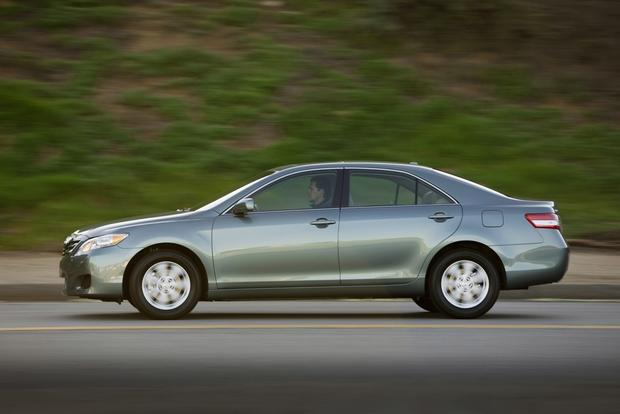 2012 Toyota Camry: New vs. Old featured image large thumb13