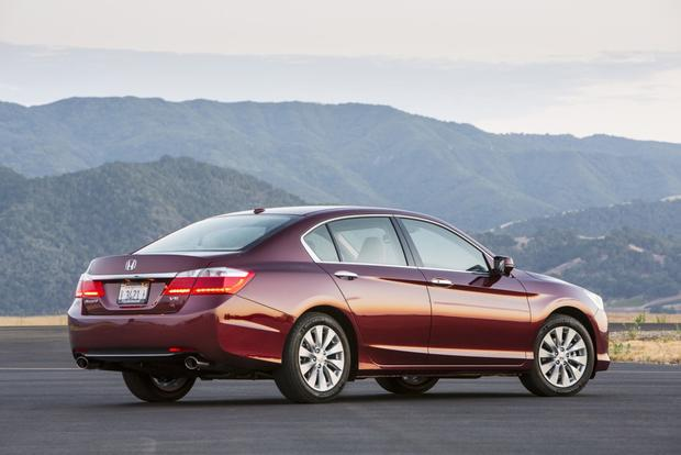 2013 Honda Accord: New vs. Old featured image large thumb6