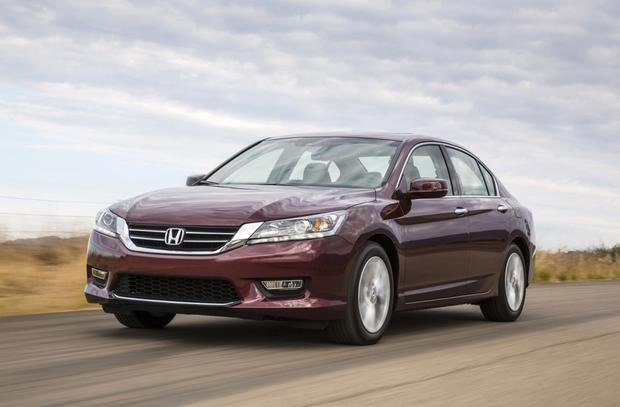 2013 Honda Accord: New vs. Old featured image large thumb12