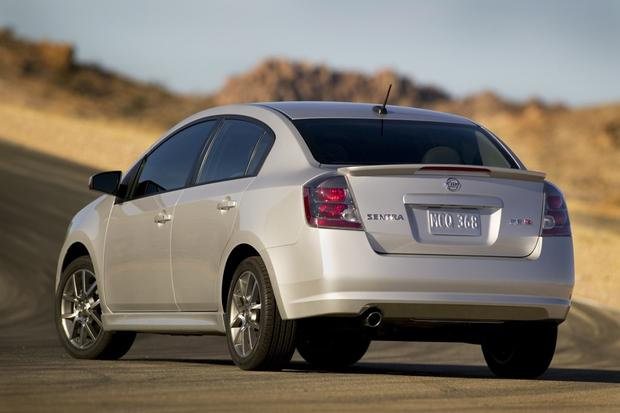 2013 Nissan Sentra: New vs. Old featured image large thumb7